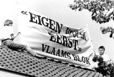 Vlaams Blokkers op het dak van Perée