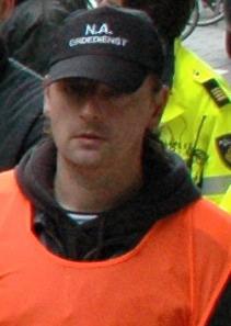 Rene Bijkerk als lid ordedienst op demonstratie Nationale Alliantie, in Amsterdam 2006