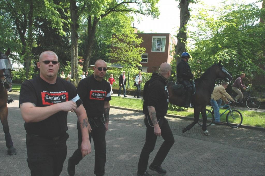 Robin van Opstal, Arris de Bruin en Ed Polman op NVU demonstratie, 2005