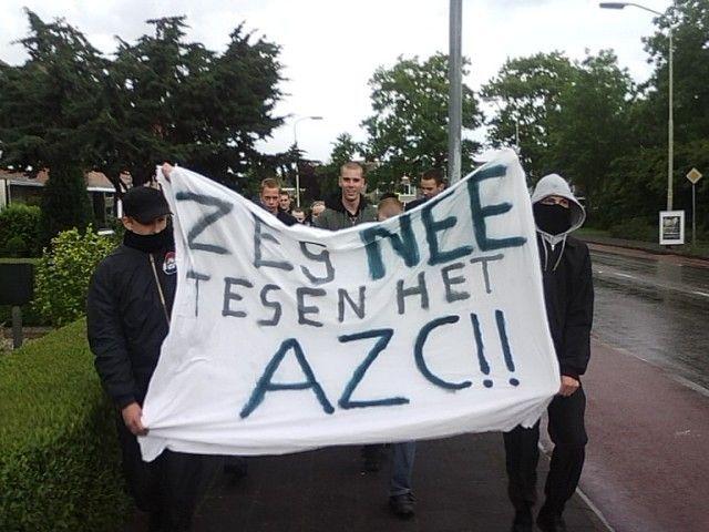 Divisie Noordland demonstreert tegen een AZC in Groningen, 2009