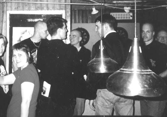 Michel Hubert (links van het midden op de rug gezien) in Amstelveen
