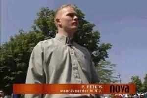 Paul Peters als NNJ activist bij de actualiteitenrubriek NOVA