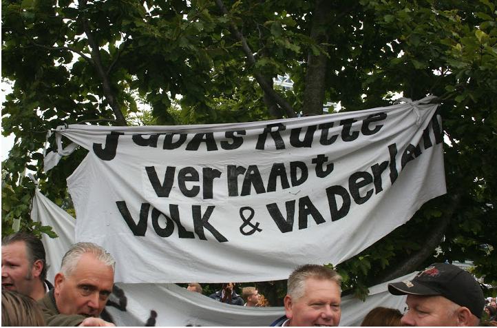 Spandoek op PVV manifestatie