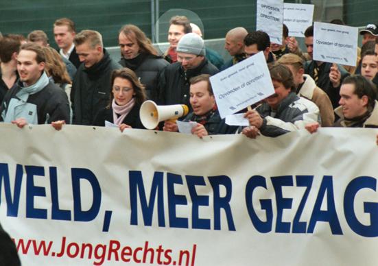 Ruud Sablerolle (rode sjaal) op demonstratie Nieuw Rechts in Den Haag, Janvier 2004