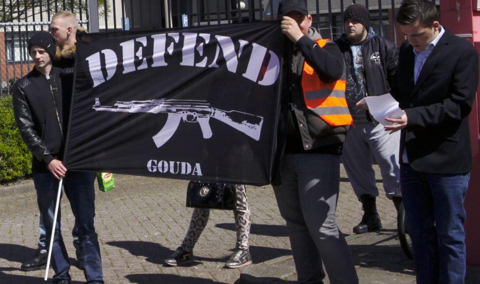 Defend Gouda op demonstratie tegen vluchtelingenopvang, Gouda 23 april 2016