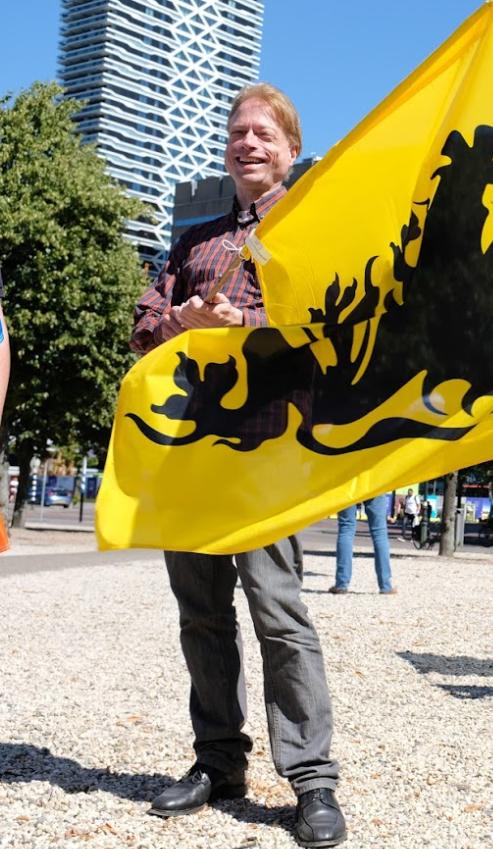 Reinout Eeckhout op demonstratie Rechts in Verzet, Den Haag juli 2018